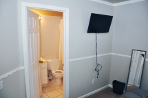 Seminole-Gardens-Adult-Care-Bedroom2-Bathroom
