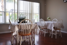 Seminole-Gardens-Adult-Care-Kitchen-Tables